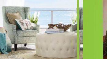 Pier 1 Imports Indoor & Outdoor Furniture Sale TV Spot, 'Get Comfy' - Thumbnail 5