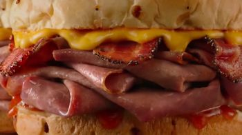 Arby's Bacon Beef 'N Cheddar TV Spot, 'Extra' - Thumbnail 5