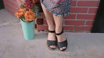 Gold Bond Ultimate Pedi Smooth TV Spot, 'Keep Feet Sandal Ready' - Thumbnail 8