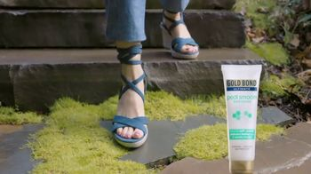 Gold Bond Ultimate Pedi Smooth TV Spot, 'Keep Feet Sandal Ready' - Thumbnail 9