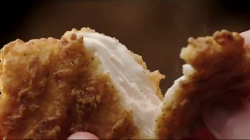 Jack in the Box Spicy Chicken Club Combo TV Spot, 'Tickle My Elbow' - Thumbnail 3