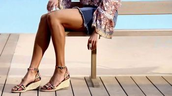 Macy's Summer Sale TV Spot, 'Shoes, Bed & Bath' - Thumbnail 4
