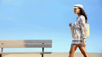 Macy's Venta de Verano TV Spot, 'Zapatos, cama y baño' [Spanish] - Thumbnail 1