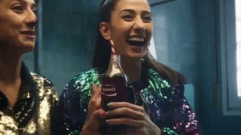 Coca-Cola TV Spot, 'Share a Coke With Friends' - Thumbnail 4