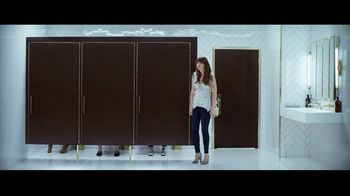 Hulu TV Spot, 'Never Upgrade to 3-Ply' Featuring Sarah Silverman, Song by Dillon Francis, Jarina De Marco - Thumbnail 5
