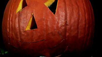 Papa John's Jack-O'-Lantern Pizza TV Spot, 'Halloween Party Offers' - Thumbnail 2