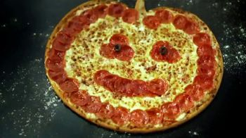 Papa John's Jack-O'-Lantern Pizza TV Spot, 'Halloween Party Offers'