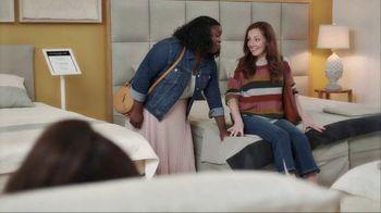 American Express Pay It Plan It TV Spot, 'Mattress Shopping' Featuring Tina Fey - Thumbnail 3