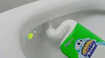 Scrubbing Bubbles Bubbly Bleach Gel TV Spot, 'Pasear a Cupcake no es como dar un paseo por el parque' [Spanish] - Thumbnail 4