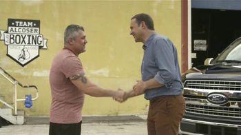 Ford F-150 Lariat TV Spot, 'Univision: ¿Conoces a Moses?' con Alan Tacher [Spanish] [T1] - Thumbnail 7