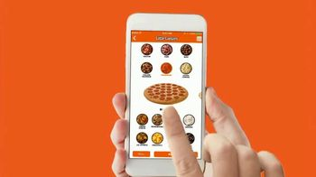 Little Caesars Pizza Portal Pickup TV Spot, 'Skip the Register' - Thumbnail 3