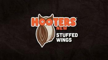 Hooters Stuffed Wings TV Spot, 'Shock' - Thumbnail 8