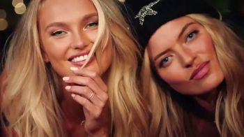 Victoria's Secret TV Spot, 'Pajamas Make the Best Gifts' Song by Alex Adair - Thumbnail 9