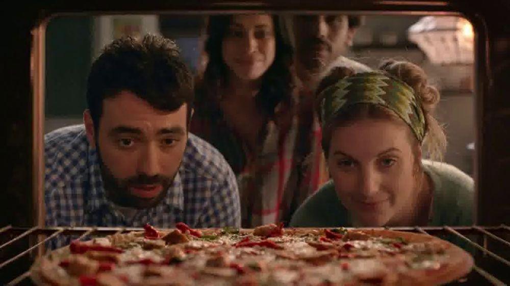 Papa Murphy's Herb Chicken Mediterranean Delite Pizza TV Commercial, 'Bun  in the Oven' - Video