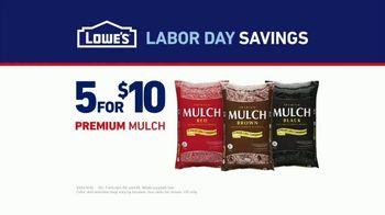 Lowe's Labor Day Savings TV Spot, 'Backyard Moment: Premium Mulch' - Thumbnail 7