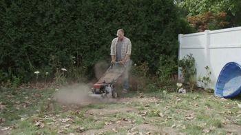 Lowe's Labor Day Savings TV Spot, 'Backyard Moment: Premium Mulch' - Thumbnail 2