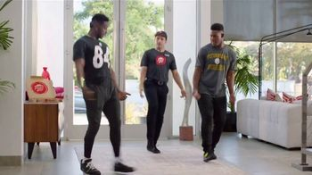 Pizza Hut TV Spot, 'Get Your End Zone Dance Ready' Feat. Antonio Brown - Thumbnail 8