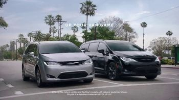 Chrysler Labor Day Sales Event TV Spot, 'Shallow Thoughts: On the Road' [T2] - Thumbnail 7