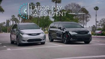 Chrysler Labor Day Sales Event TV Spot, 'Shallow Thoughts: On the Road' [T2] - Thumbnail 2