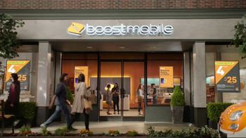 Boost Mobile Unlimited Gigs TV Spot, 'Watch Whatever You Want' - Thumbnail 8
