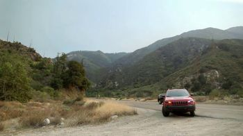 Jeep Adventure Days Event TV Spot, 'Ultimate Test Drive: Bear' [T1] - Thumbnail 4