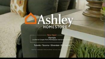 Ashley HomeStore Labor Day Held Over Sale TV Spot, 'Last Chance' - Thumbnail 8