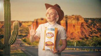 Lay's Tastes of America TV Spot, 'Cross-Country Journey' Feat. Hannah Hart - Thumbnail 8