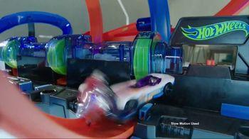 Hot Wheels Corkscrew Crash TV Spot, 'Epic Crash' - Thumbnail 5