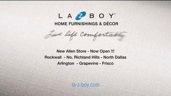 La-Z-Boy Labor Day Held Over Sale TV Spot, 'Favorite Spot' - Thumbnail 10