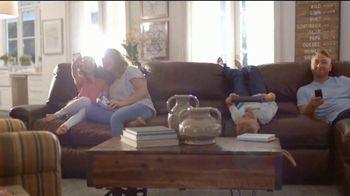 La-Z-Boy Labor Day Held Over Sale TV Spot, 'Favorite Spot' - Thumbnail 4