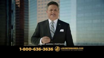Los Defensores TV Spot, 'Si te chocó un tráiler' con Jorge Jarrín [Spanish] - Thumbnail 4