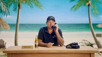 Corona Extra TV Spot, 'King of the Grill' Featuring Tony Romo - Thumbnail 4