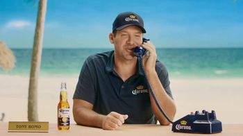 Corona Extra TV Spot, 'King of the Grill' Featuring Tony Romo - Thumbnail 6