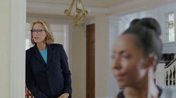 Anthem Medicare TV Spot, 'Yoga' Featuring Téa Leoni - Thumbnail 2