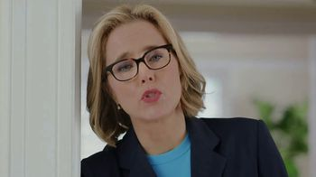 Anthem Medicare TV Spot, 'Yoga' Featuring Téa Leoni - Thumbnail 4