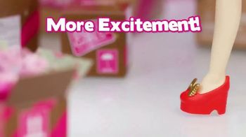 Boxy Girls Big Box TV Spot, 'More Surprises' - Thumbnail 3
