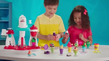 Play-Doh Kitchen Creations Ultimate Swirl Ice Cream Maker TV Spot, 'Double the Swirl' - Thumbnail 7
