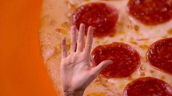 Little Caesars Pizza Hot-N-Ready Large Classic TV Spot, 'Dame cinco' [Spanish] - Thumbnail 5