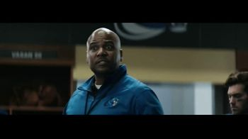 DIRECTV TV Spot, 'Locker Room' - Thumbnail 6