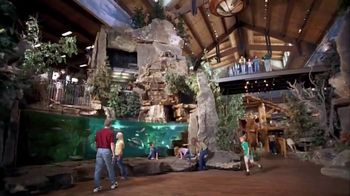 Bass Pro Shops Fall Into Savings TV Spot, 'We Stand Together' - Thumbnail 7
