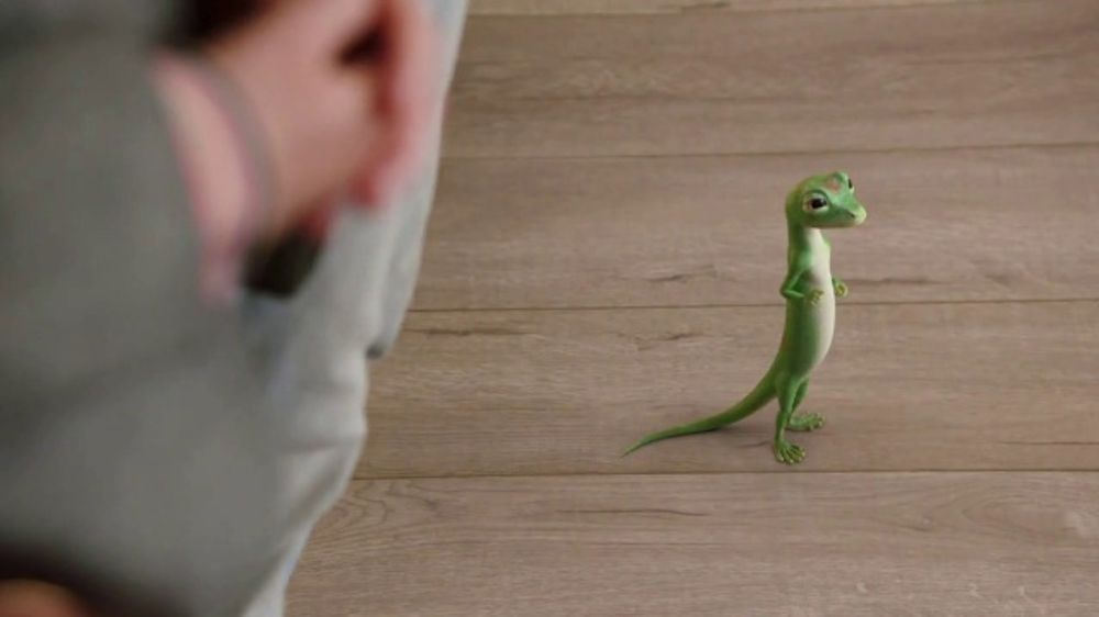 GEICO Renters Insurance TV Commercial, 'The Gecko Sells an ...