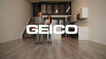 GEICO Renters Insurance TV Spot, 'The Gecko Sells an Apartment' - Thumbnail 10