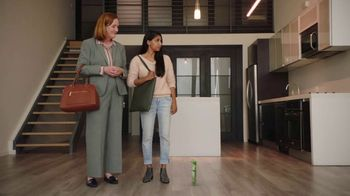 GEICO Renters Insurance TV Spot, 'The Gecko Sells an Apartment'