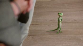 GEICO Renters Insurance TV Spot, 'The Gecko Sells an Apartment' - Thumbnail 8