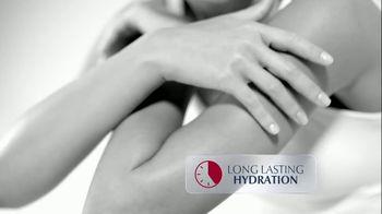 Eucerin Advanced Repair Cream TV Spot, 'Restoring Skin Moisture' - Thumbnail 6