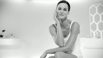 Eucerin Advanced Repair Cream TV Spot, 'Restoring Skin Moisture' - Thumbnail 7