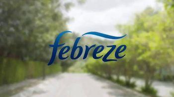 Febreze Car Vent Clips TV Spot, 'Lingering' - Thumbnail 4