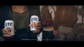 Miller Lite TV Spot, 'Art Gallery' Song by The Bamboos - Thumbnail 2
