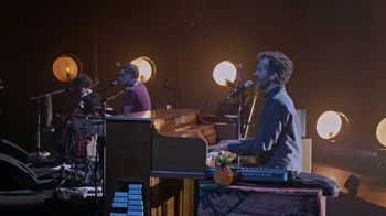 HBO TV Spot, 'Flight of the Conchords: Live in London' - Thumbnail 8