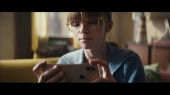 Apple iPhone XS TV Spot, 'Growth Spurt' Song by Confidence Man - Thumbnail 2